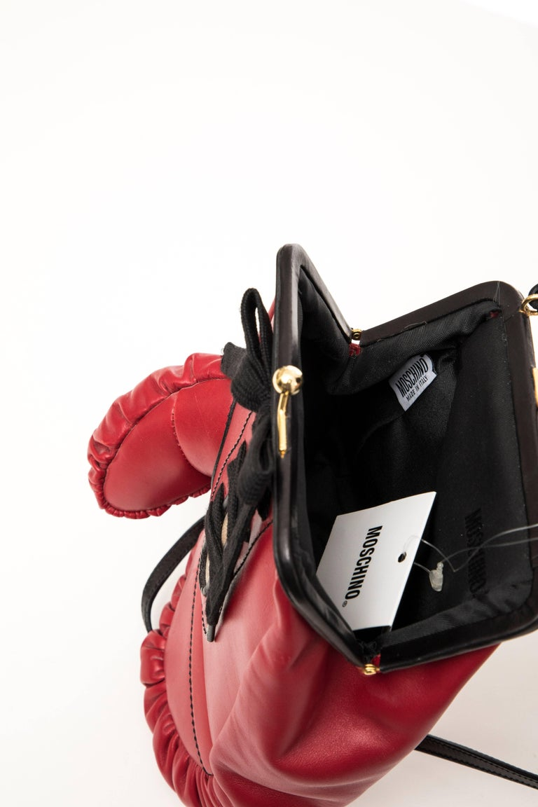 Moschino Red And Black Leather Boxing Glove Handbag, Spring 2001 For Sale 6