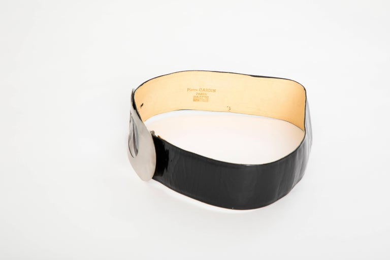 Women's Pierre Cardin Made For Bonwit Teller Black Patent Leather Belt, Circa 1960's For Sale