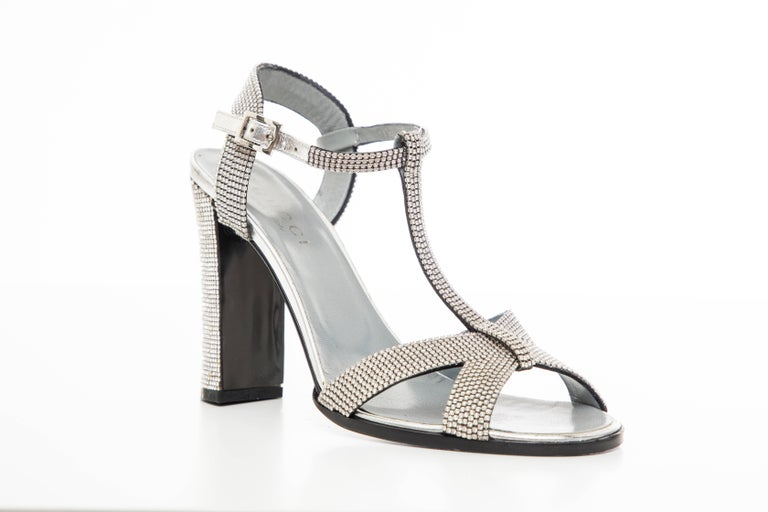 Tom Ford For Gucci Runway Metallic Silver Crystal T-Strap Sandals, Spring 2000 For Sale 1