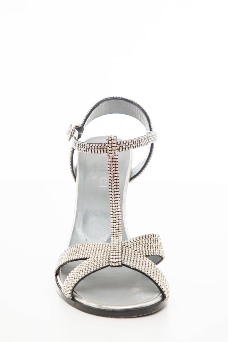 Tom Ford For Gucci Runway Metallic Silver Crystal T-Strap Sandals, Spring 2000 For Sale 2