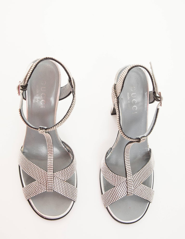 Tom Ford For Gucci Runway Metallic Silver Crystal T-Strap Sandals, Spring 2000 For Sale 13