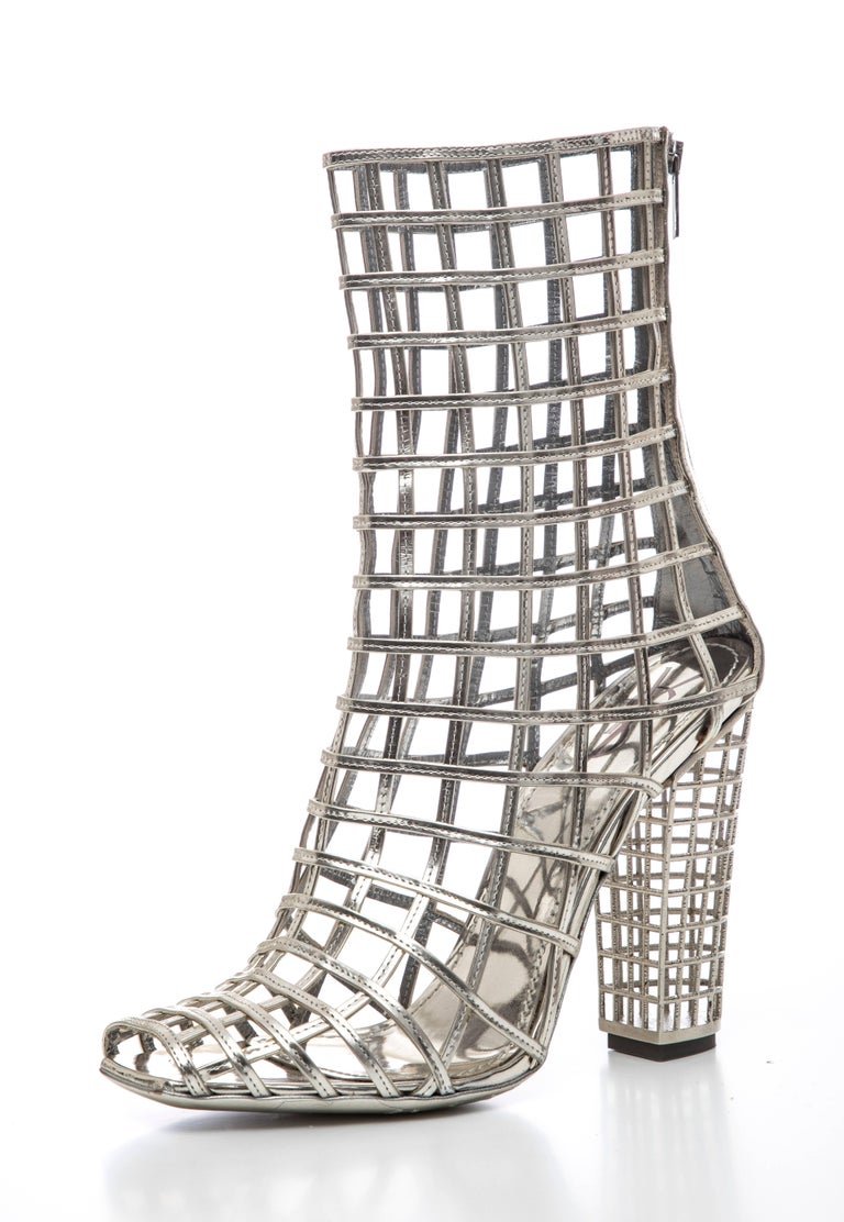 Yves Saint Laurent Silver Metallic Leather Caged Ankle Boots, Spring 2009 In Excellent Condition For Sale In Cincinnati, OH