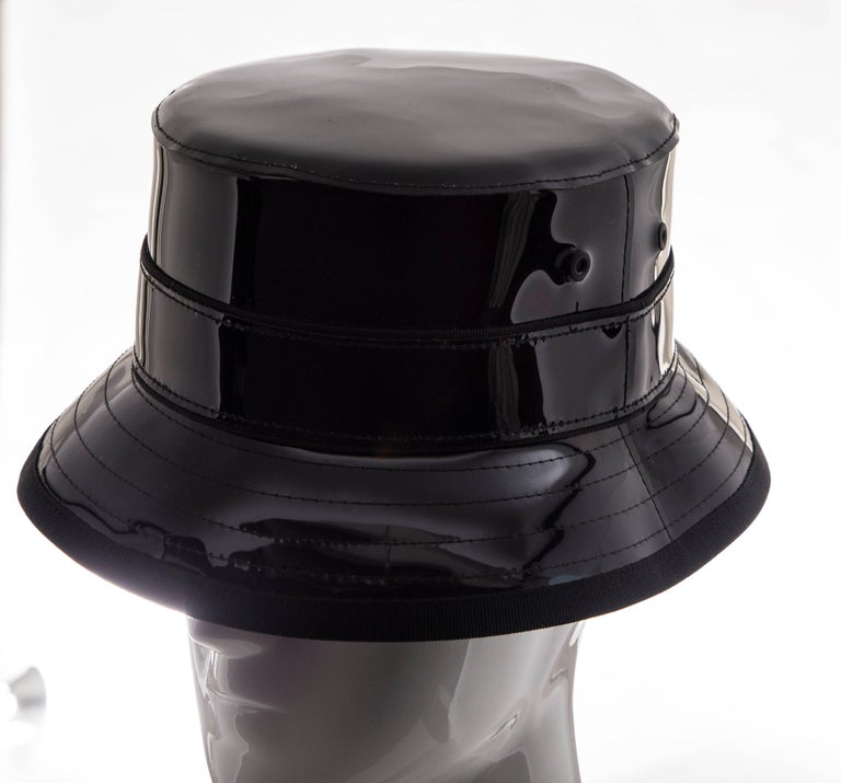 Givenchy Riccardo Tisci Runway Men's Black Patent Leather Bucket Hat,Spring 2017 In Excellent Condition For Sale In Cincinnati, OH