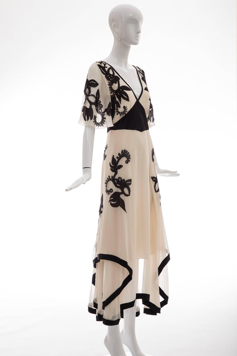 Temperley London Floral Embroidered Silk Chiffon Evening Dress, Spring 2005 In Excellent Condition For Sale In Cincinnati, OH