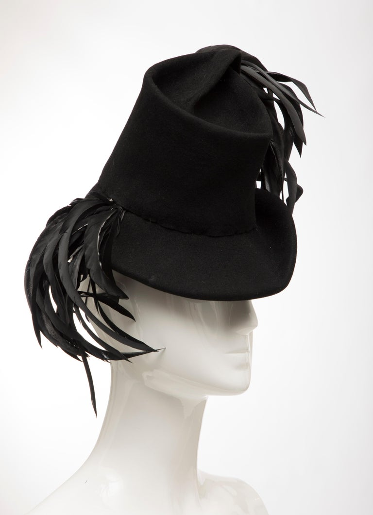 Created By Victoria New York Black Felt Appliquéd Feathers Hat, Circa: 1930's In Excellent Condition For Sale In Cincinnati, OH