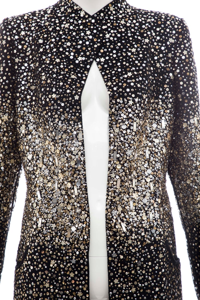 Women's Oscar De La Renta Runway Black Embroidered Sequin Evening Coat, Fall 2006 For Sale
