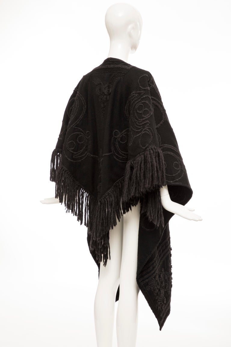 Dries Van Noten Runway Black Wool Embroidered Fringe Cape, Fall 2002 In Good Condition For Sale In Cincinnati, OH