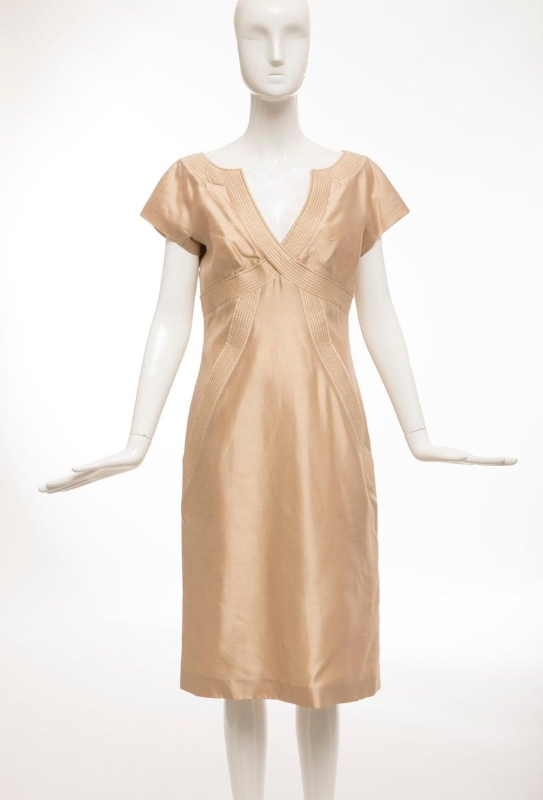 Alexander McQueen, Spring 2006 silk evening dress with back zipper and fully lined in silk.   EU. 44, US. 8  Bust: 35, Waist: 31, Hips: 41, Length: 42