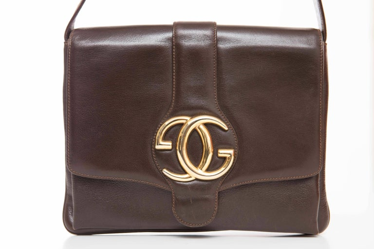 Gucci Brown Leather Shoulder Bag With Adjustable Strap, Circa 1970's In Good Condition For Sale In Cincinnati, OH
