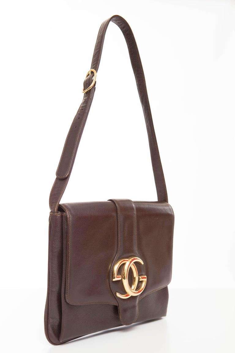 Women's Gucci Brown Leather Shoulder Bag With Adjustable Strap, Circa 1970's For Sale