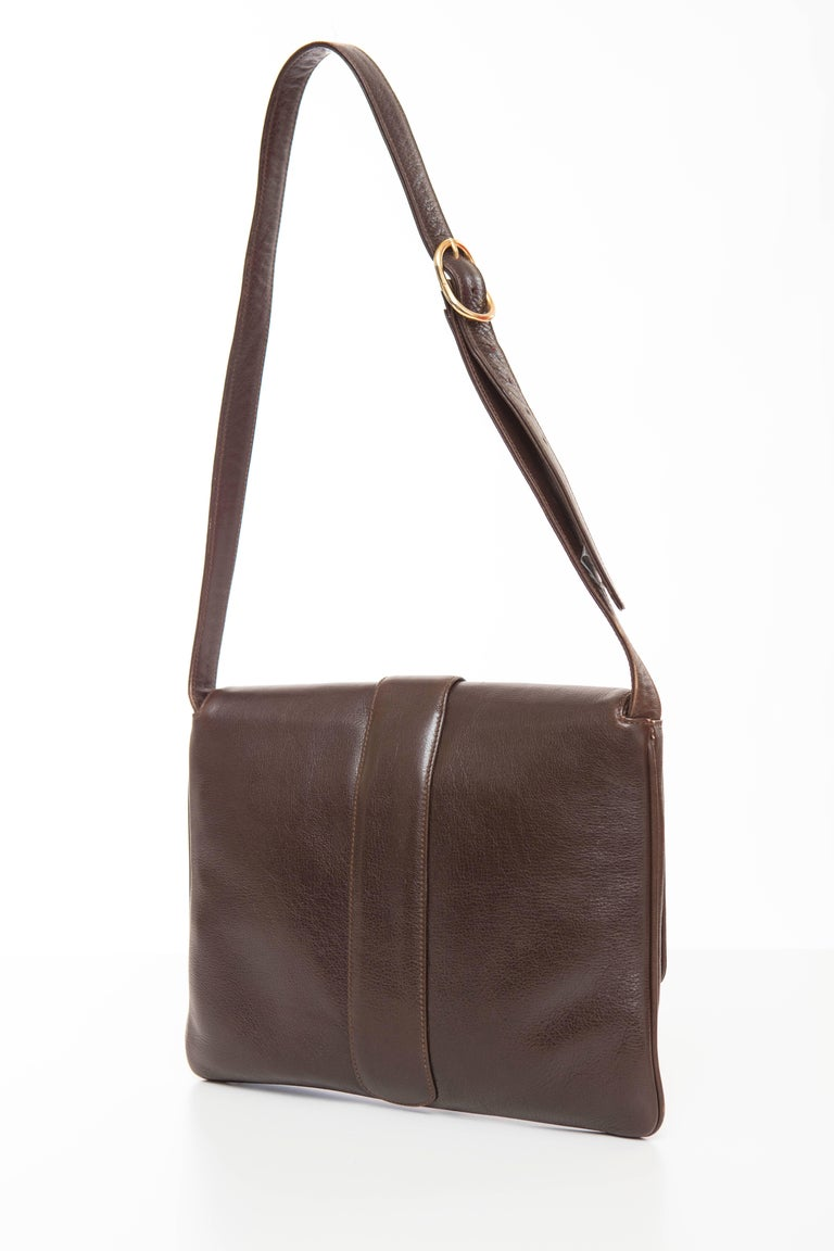 Gucci Brown Leather Shoulder Bag With Adjustable Strap, Circa 1970's For Sale 2