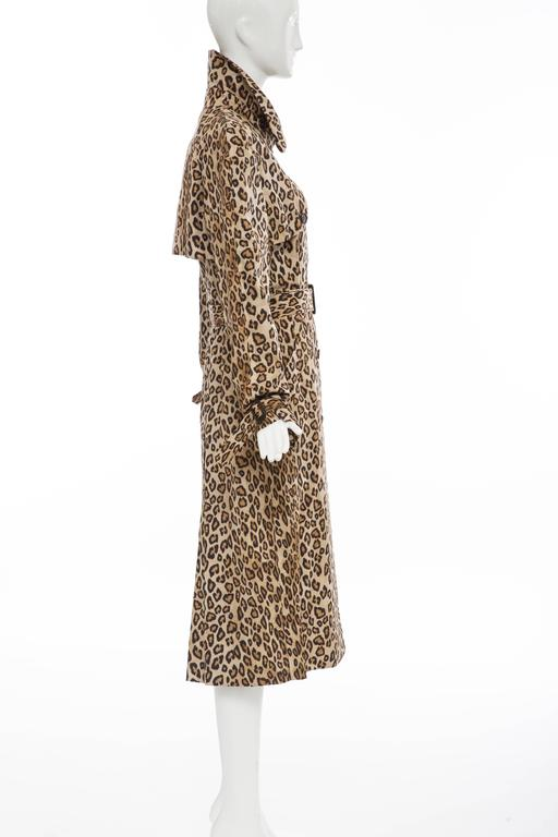 Alexander McQueen Silk Leopard Print Trench Coat, Autumn-Winter 2005 In New never worn Condition For Sale In Cincinnati, OH