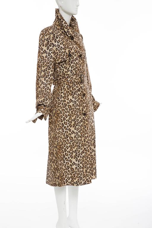 Women's Alexander McQueen Silk Leopard Print Trench Coat, Autumn-Winter 2005 For Sale