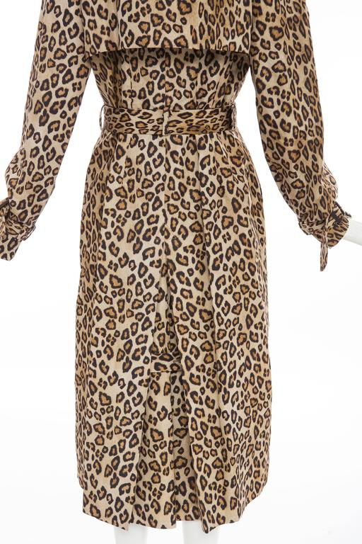 Alexander McQueen Silk Leopard Print Trench Coat, Autumn-Winter 2005 For Sale 3