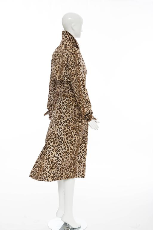 Alexander McQueen Silk Leopard Print Trench Coat, Autumn-Winter 2005 For Sale 4