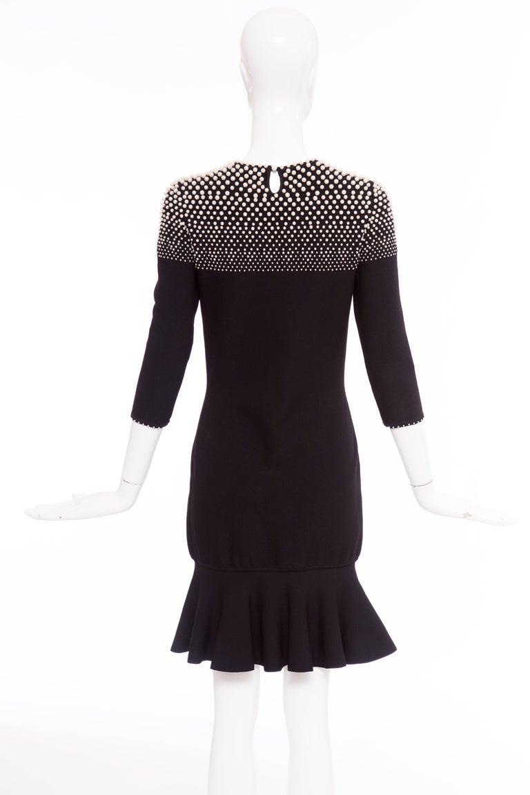 Women's Alexander McQueen Black Knit Dress With Pearl Neckline, Autumn - Winter 2013 For Sale
