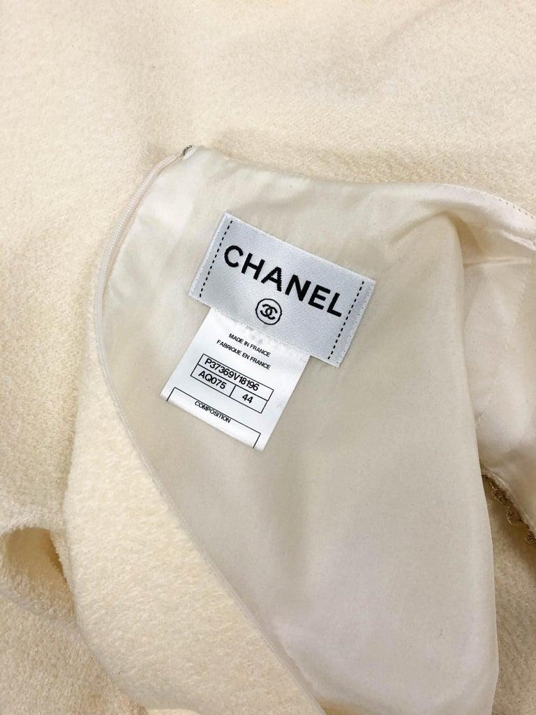 2010 Unworn Chanel Runway Look Cream Dress With Gold Thread Trim For Sale 9