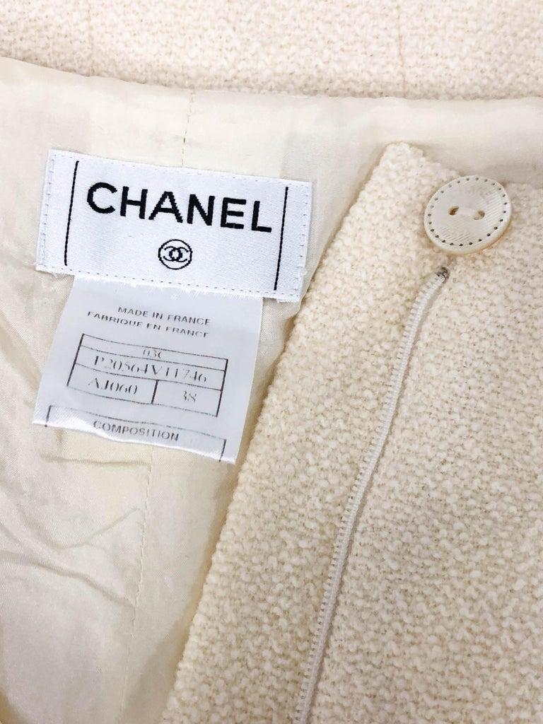 370ec38377f7 2003, Chanel Cremefarbene Wolle A-Linie Rock im Angebot bei 1stdibs