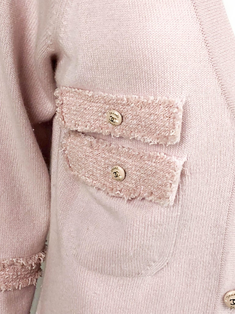 2009 Chanel Pink Cashmere Cardigan Dress With Enamelled Logo Buttons For Sale 6