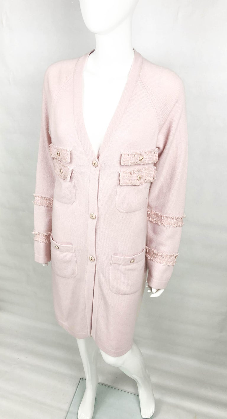 2009 Chanel Pink Cashmere Cardigan Dress With Enamelled Logo Buttons For Sale 3