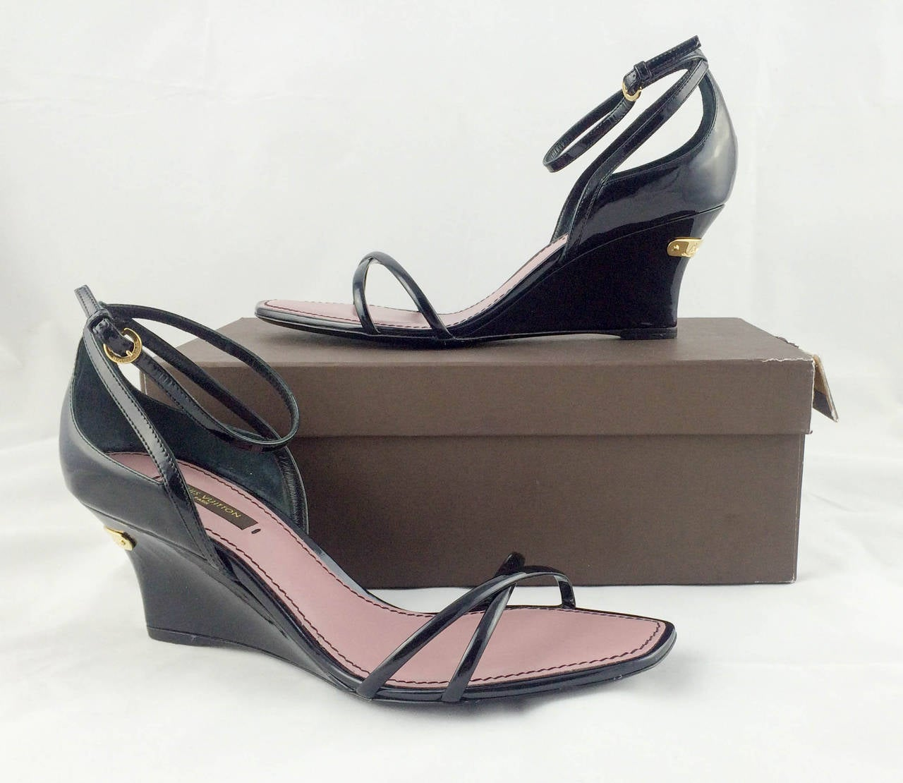 Louis Vuitton Strawberry Wedges Sandals - 2009 For Sale 4