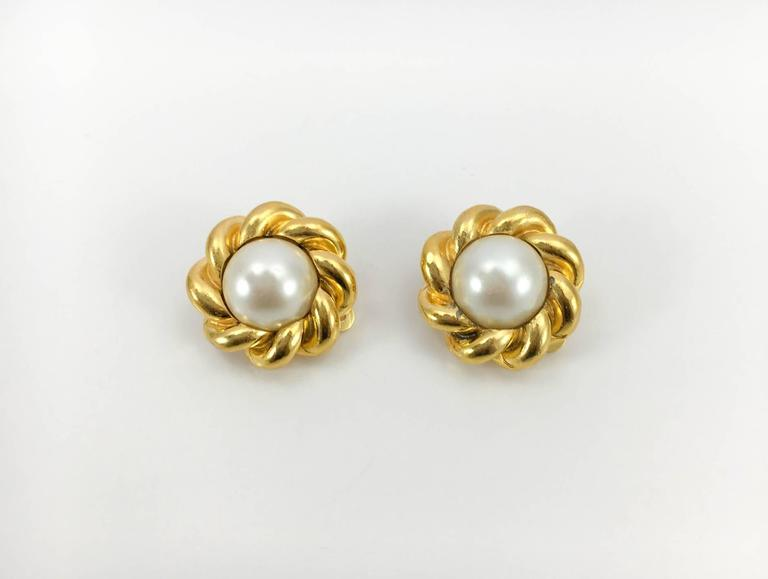 Chanel Gold-Plated Pearl Earrings - 1970s In Good Condition For Sale In London, GB
