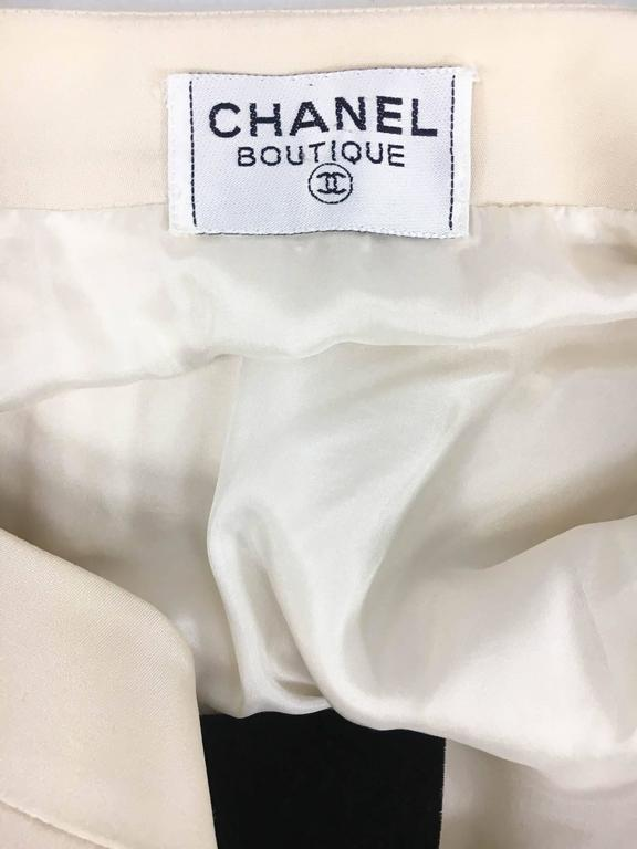 Chanel Champagne Silk Dress With Black Velvet Cuffs and Bow - 1980s For Sale 5
