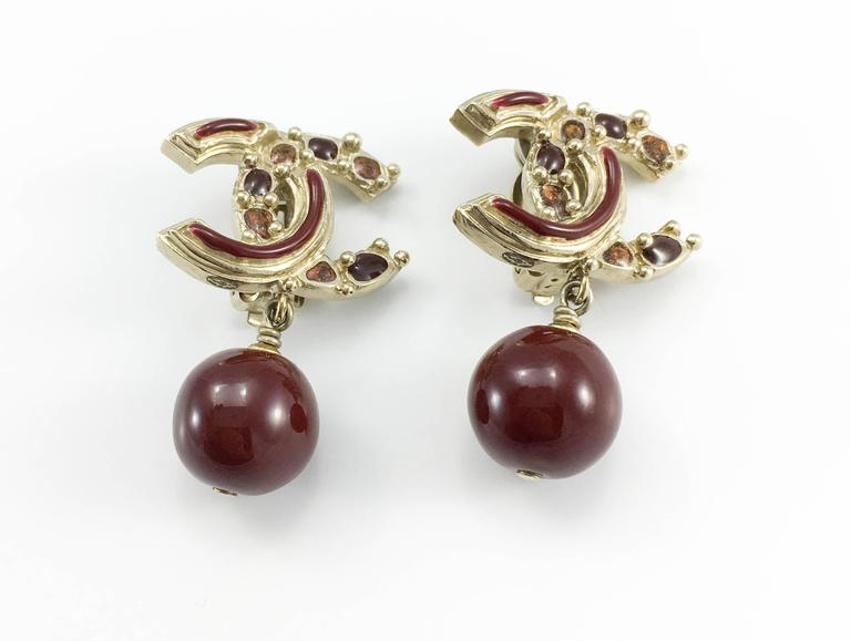 Chanel Paris-Bombay Collection Red Gripoix Dangling Earrings - Circa 2012 In Excellent Condition For Sale In London, GB