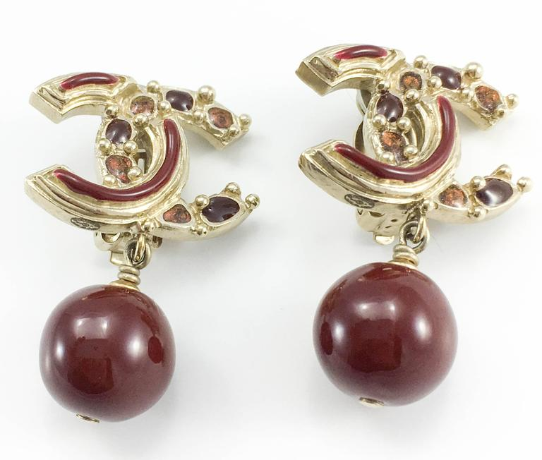 Women's Chanel Paris-Bombay Collection Red Gripoix Dangling Earrings - Circa 2012 For Sale