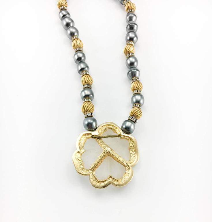 Dior Faux Pearls and Diamanté Flower Necklace - 1990's For Sale 4