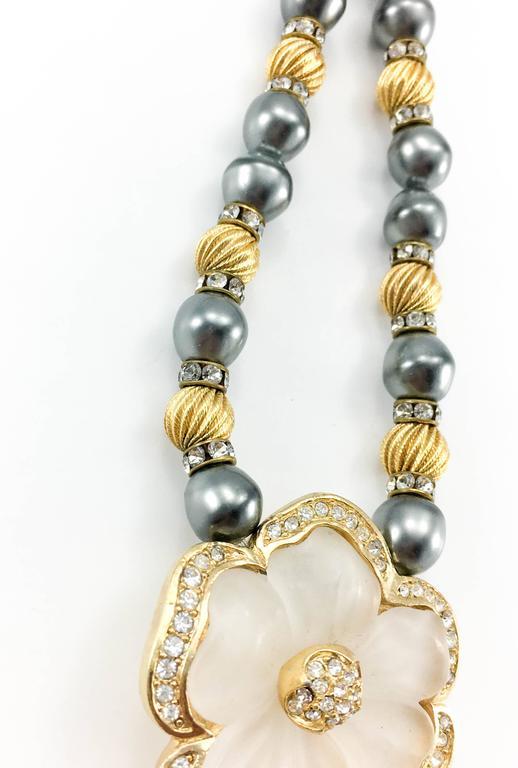 Dior Faux Pearls and Diamanté Flower Necklace - 1990's For Sale 2