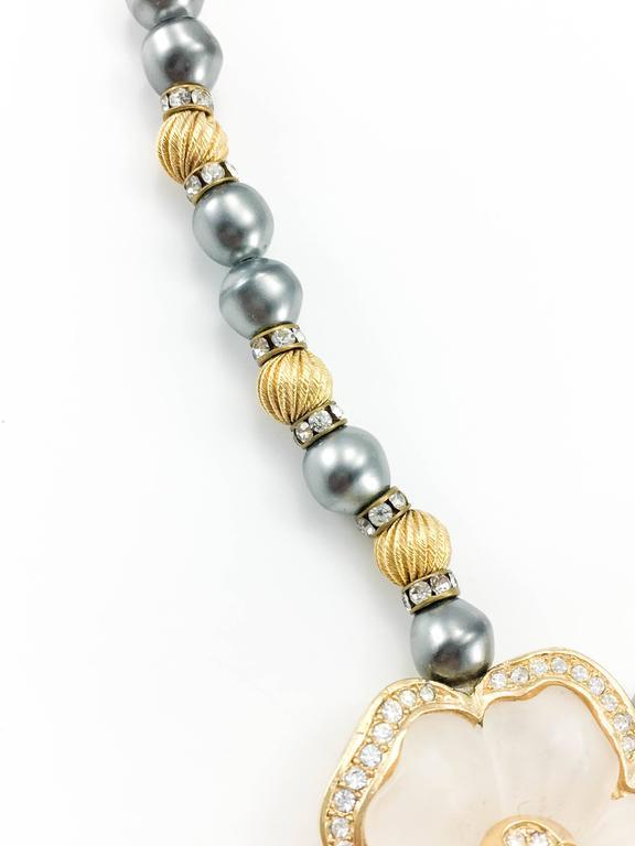 Dior Faux Pearls and Diamanté Flower Necklace - 1990's For Sale 3