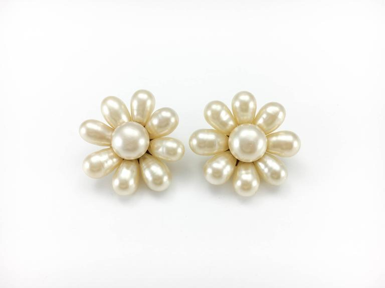 1970's Chanel Gripoix Pearl Flower Earrings 2