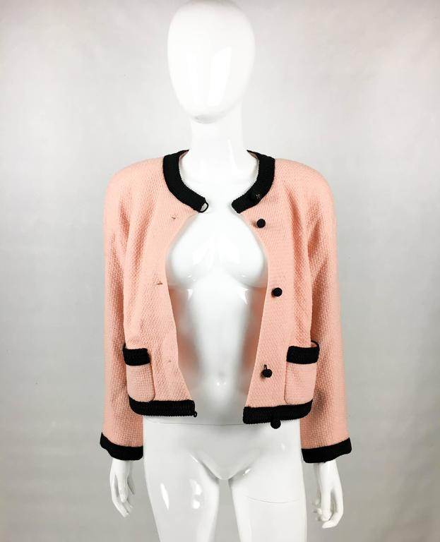 1990s Chanel Pink Tweed Cropped Jacket In Excellent Condition For Sale In London, GB