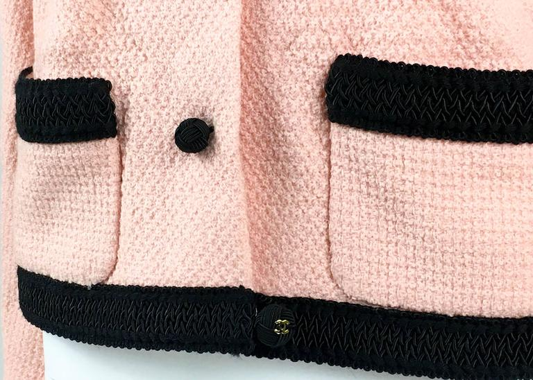 1990s Chanel Pink Tweed Cropped Jacket For Sale 4