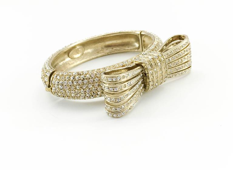 1980s Valentino  Gilt Diamanté Bow Bracelet For Sale 2