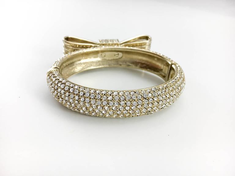 1980s Valentino  Gilt Diamanté Bow Bracelet For Sale 3