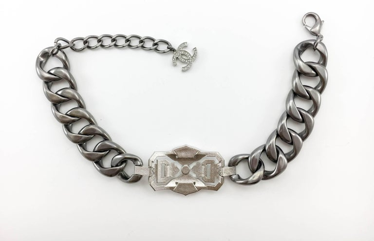 Chanel Runway Look Diamanté Embellished Gunmetal Coloured Chunky Chain Choker For Sale 3