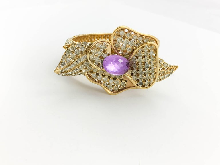 1990s Valentino Diamanté and Faux Amethyst Gilt Flower Bracelet In Excellent Condition For Sale In London, Chelsea