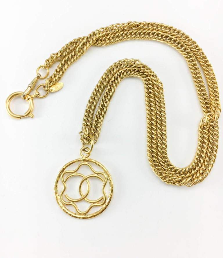 Women's 1980s Chanel Gilt Logo Medallion Pendant Long Chain Necklace For Sale