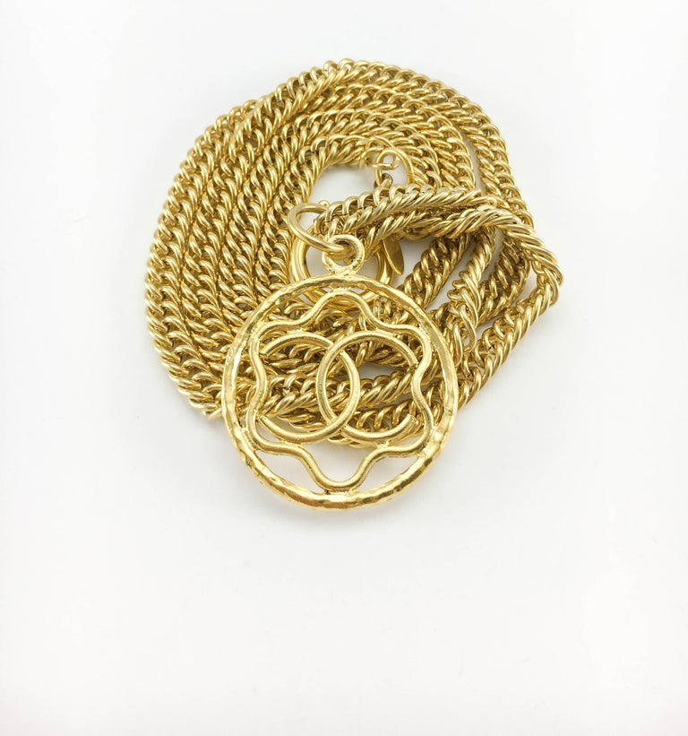 1980s Chanel Gilt Logo Medallion Pendant Long Chain Necklace For Sale 1