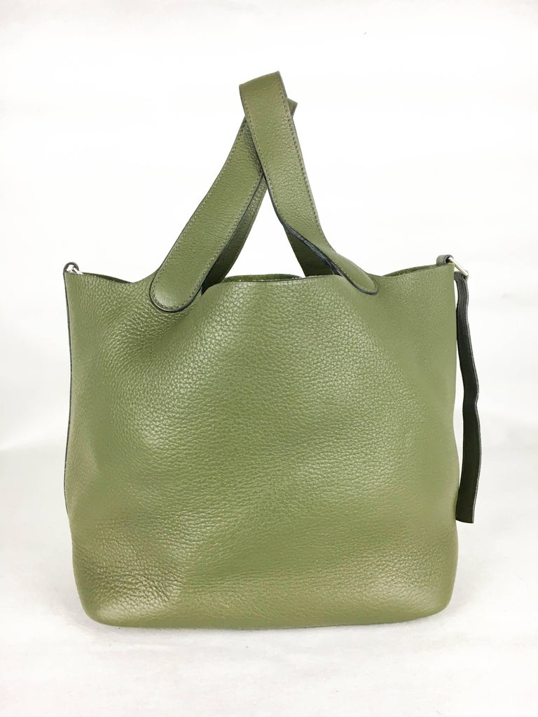 Brown 2007 Hermes Picotin 22 Handbag in Olive Green Clemence Leather For Sale