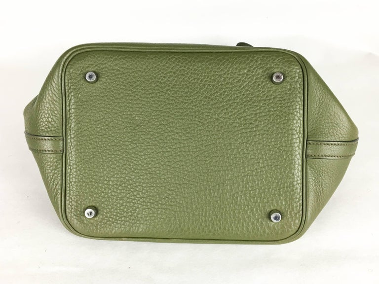 2007 Hermes Picotin 22 Handbag in Olive Green Clemence Leather For Sale 3