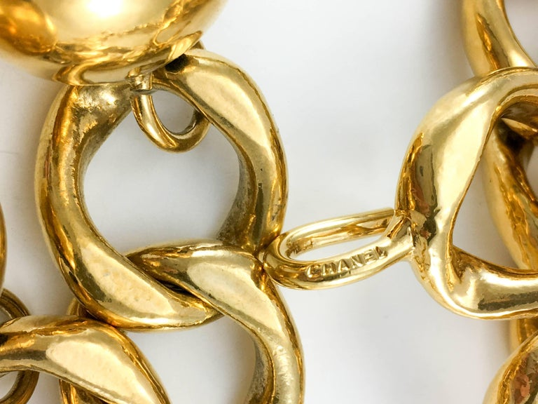 1980's Chanel Chunky Gilt Chain Belt For Sale 3