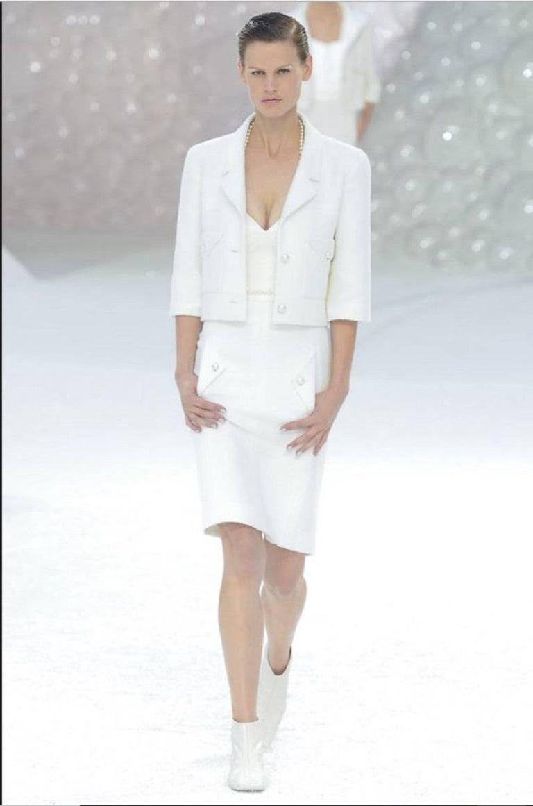2012 Chanel Runway Look White Cotton Jacket With Faux-Pearl Buttons For Sale 6
