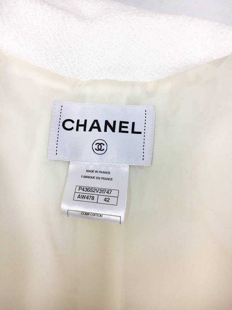 2012 Chanel Runway Look White Cotton Jacket With Faux-Pearl Buttons 9