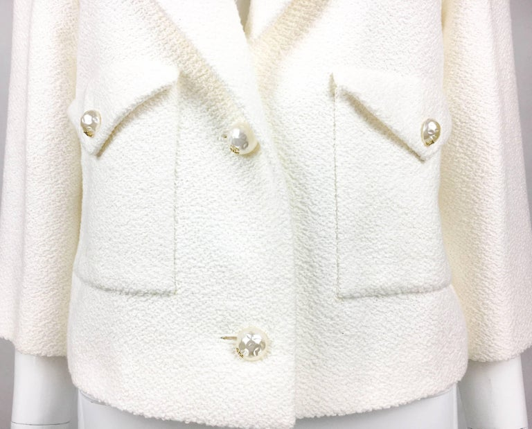 2012 Chanel Runway Look White Cotton Jacket With Faux-Pearl Buttons 5