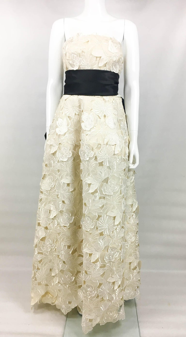 Givenchy Haute Couture Silk Evening Gown With Embroidered Overlayer, 1985  In Excellent Condition For Sale In London, Chelsea