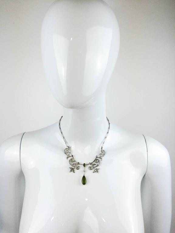 White Gold, Diamonds and Peridot Necklace - 1920s 7