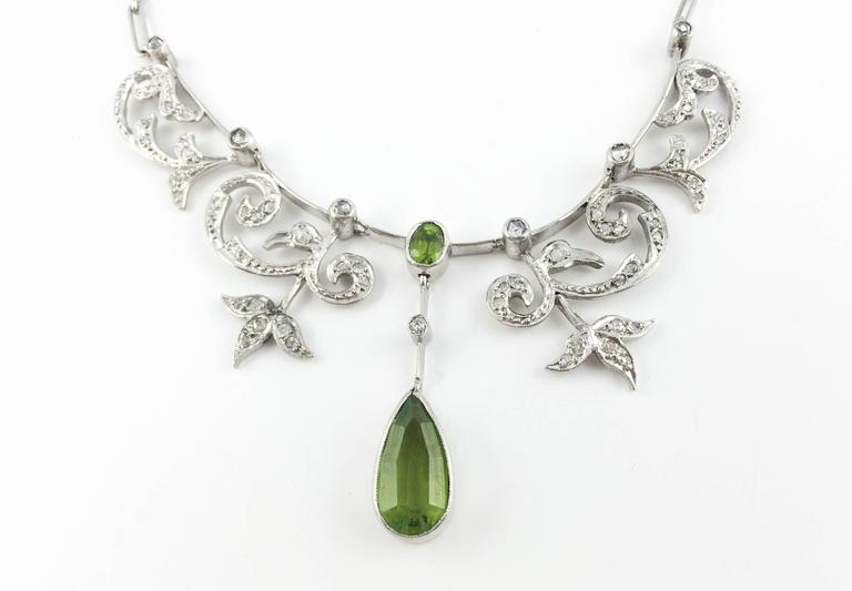 White Gold, Diamonds and Peridot Necklace - 1920s 3